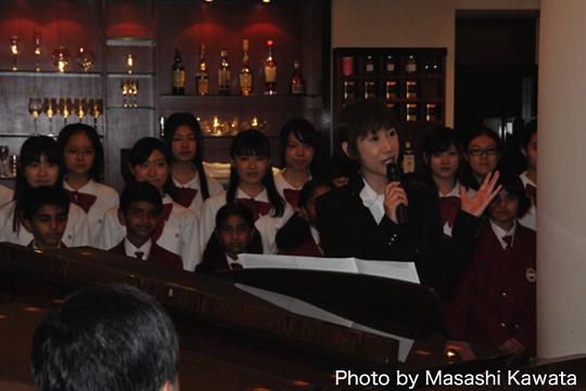 東邦音楽大学付属東邦中学高等学校合唱団とインドインターナショナルスクールの子供たちとPeace of mindを歌いました